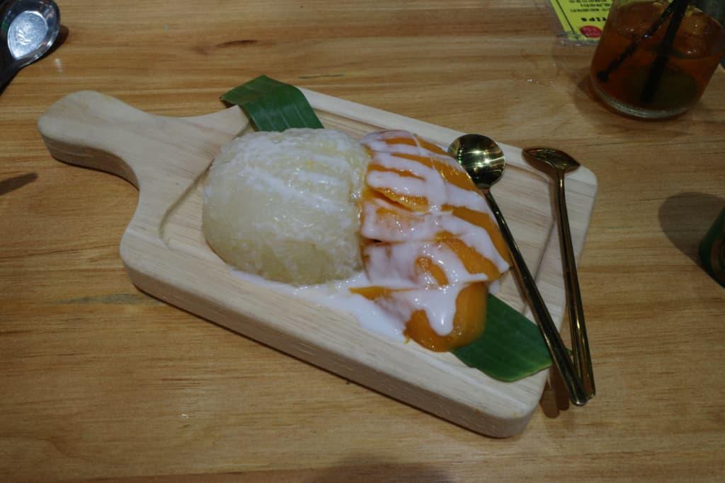 阿叔泰麵:芒果糯米飯