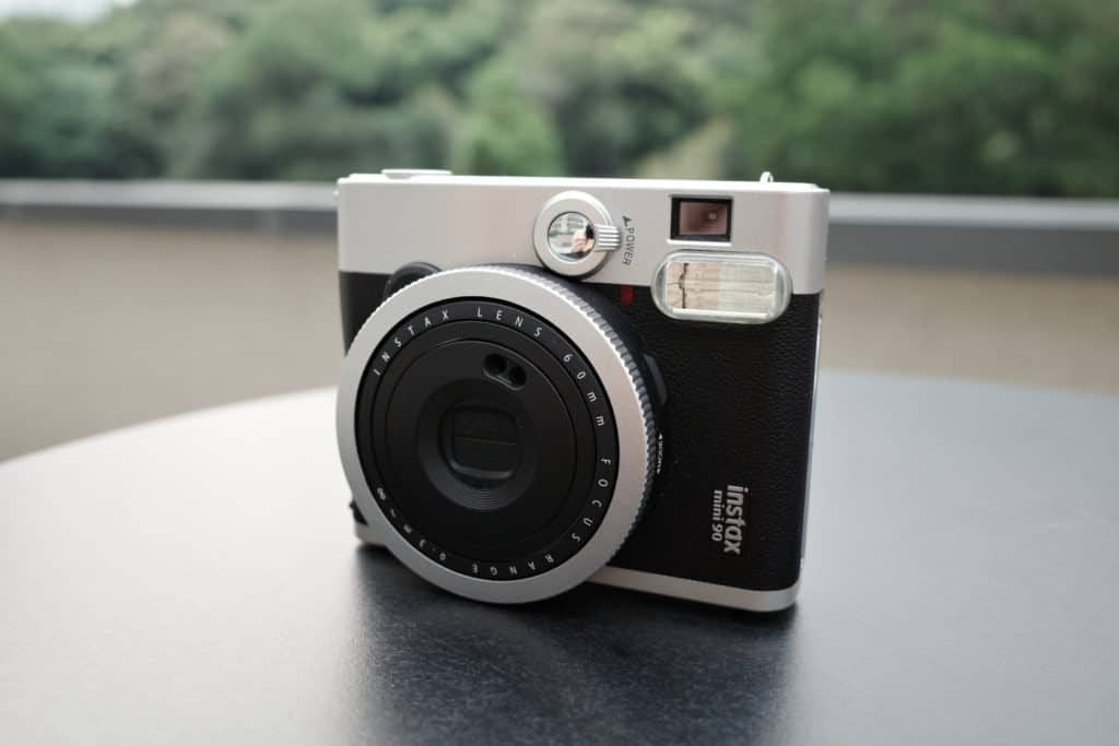 Instax Mini 90 正面(橫度使用)